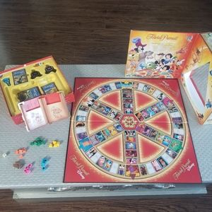 DISNEY Trivial Pursuit Family Game Question Game
